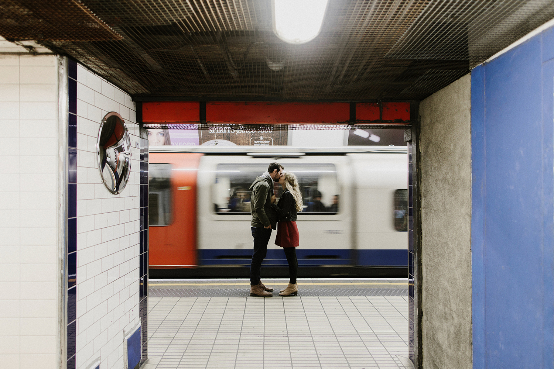 london-tube-engagement-session.jpg