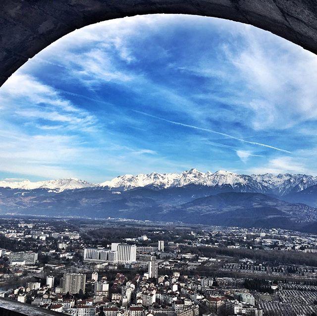 La Bastille de Grenoble sous le soleil...bonheur quoi! - - - #labastille #life #feelgood #military #old #canon #bluesky #mountains #snow #hiking