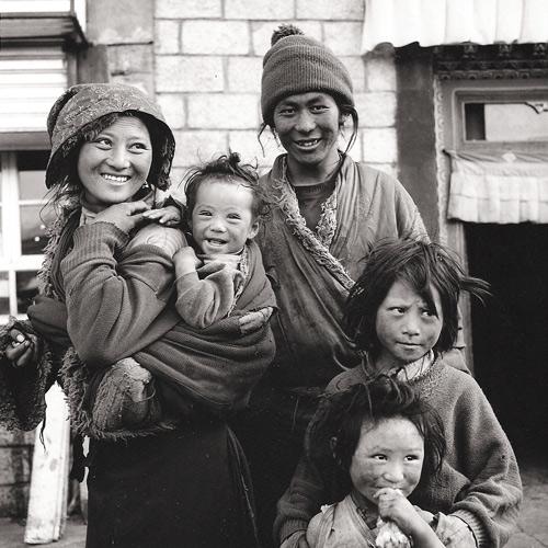 Tibet-family1.jpg
