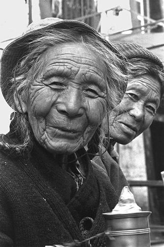 Tibet-Old-Ladies-1999.jpg