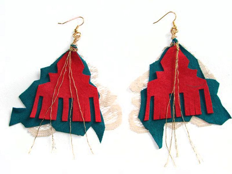 Earrings18_w.jpg