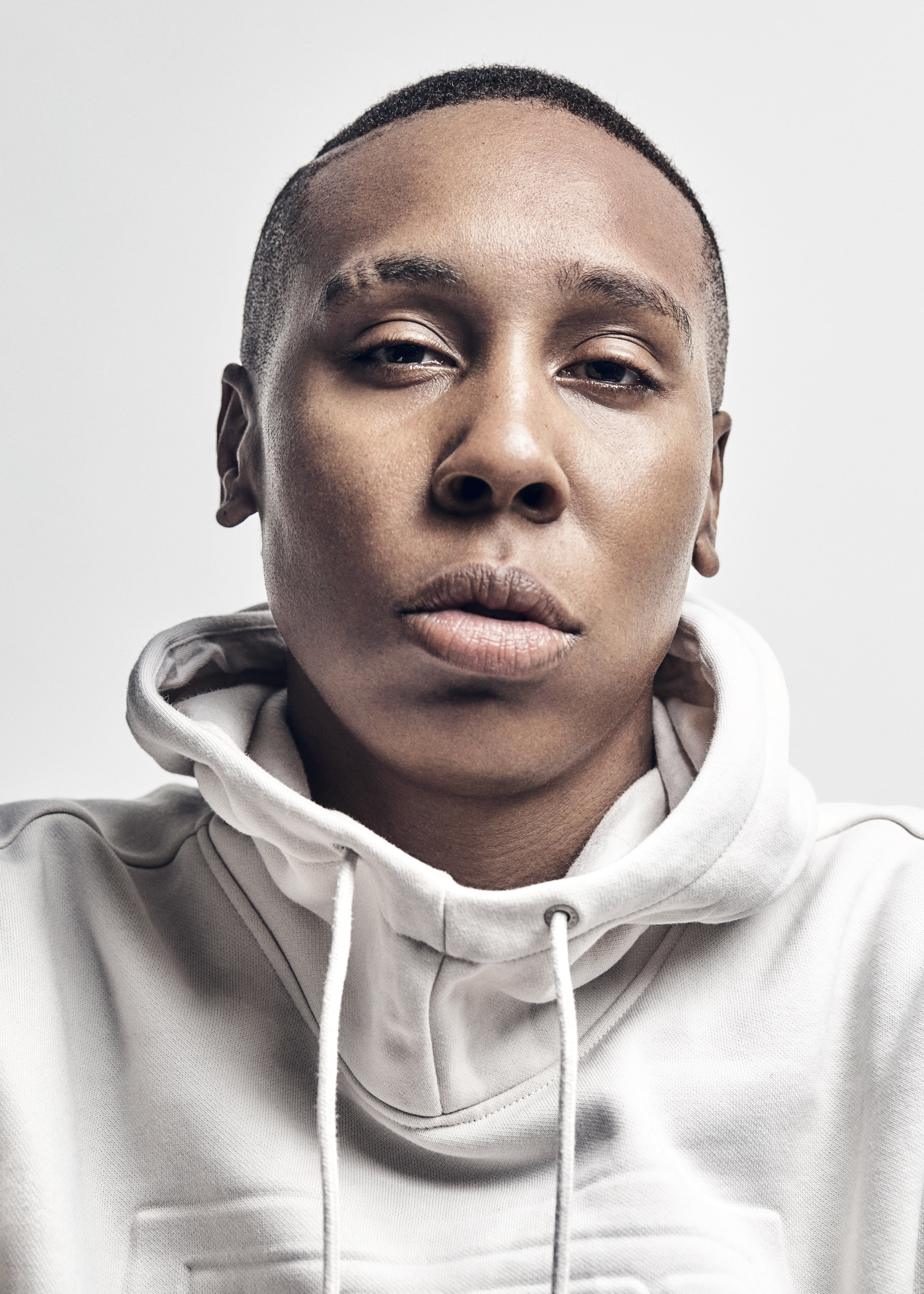 180821_05_AS_LENA_WAITHE_S002_330_V2A_RGB.jpg