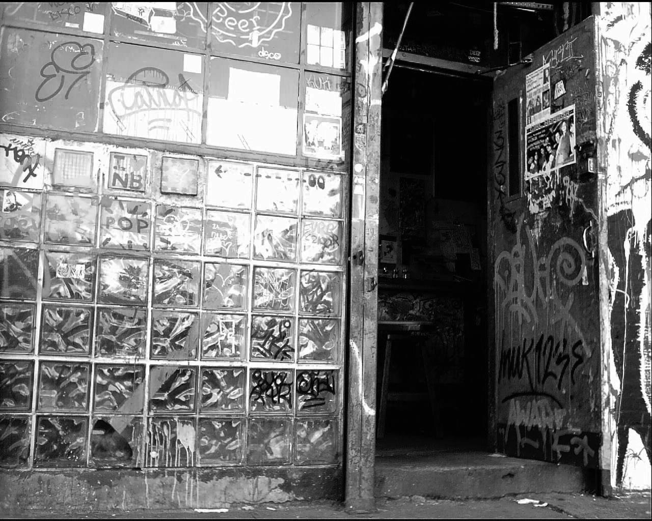 Mars Bar, E 1st & 2nd Avenue, New York City