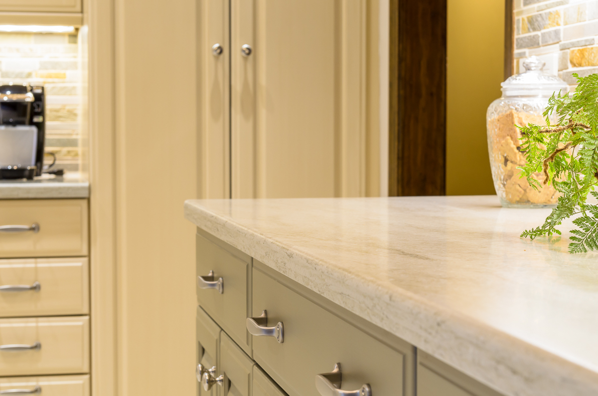 Sterling_Surfaces_Corian_Countertops-11.jpg