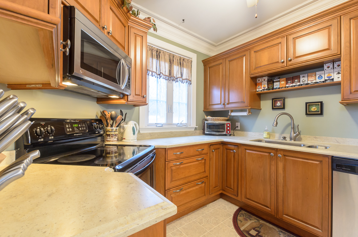 Sterling_Surfaces_Corian_Countertops-12.jpg