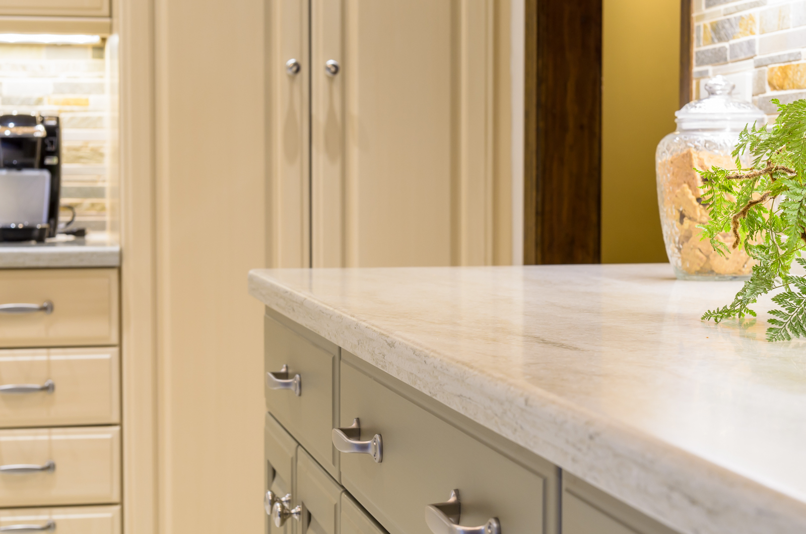 Corian-Countertops-Sterling-Surfaces-14.jpg