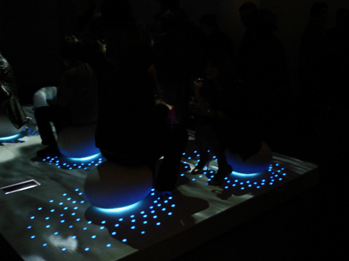 Lightshowers_Corian_Illumination_Sterling_Surfaces-11.jpg
