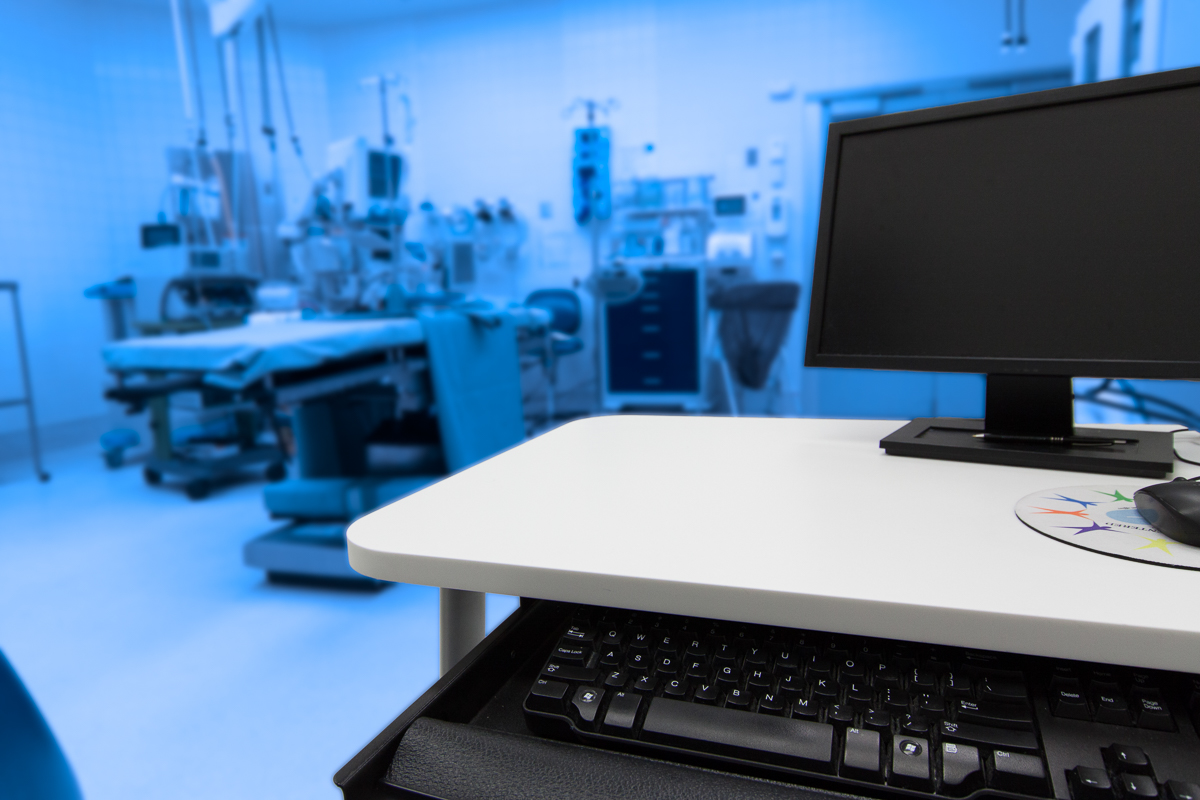 Corian_Healthcare_Operating_Room_Furniture_Sterling_Surfaces-3.jpg