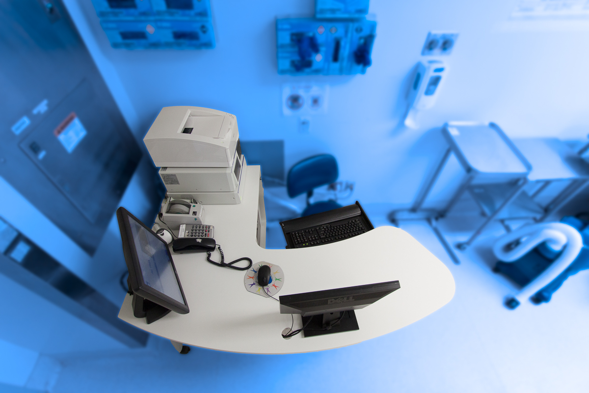 Corian_Healthcare_Operating_Room_Furniture_Sterling_Surfaces-7.jpg
