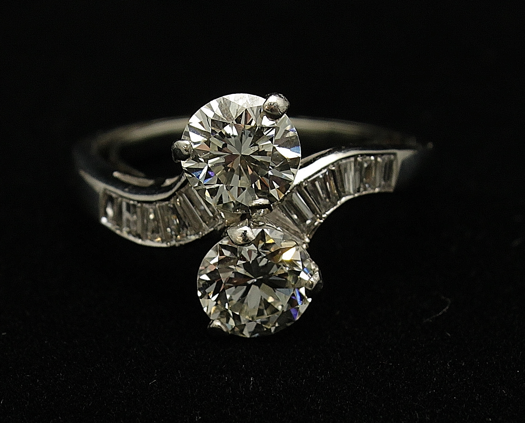 Antique Platinum Diamond Old European Cut 2.6cts