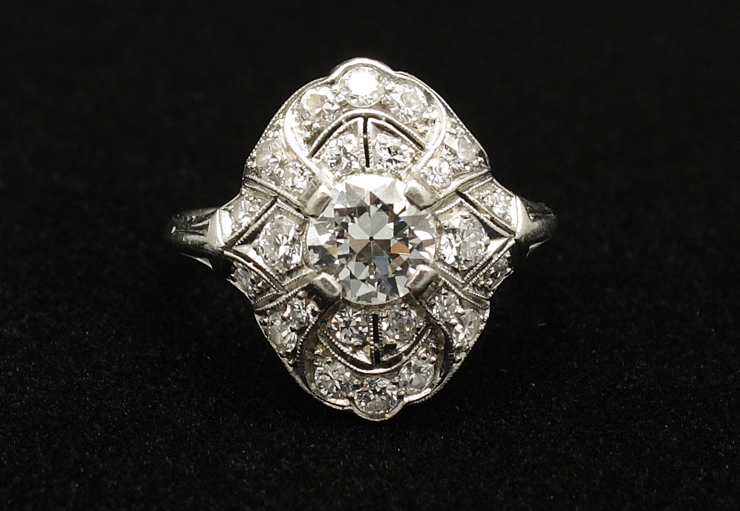 Antique Platinum Diamond 2.1cts