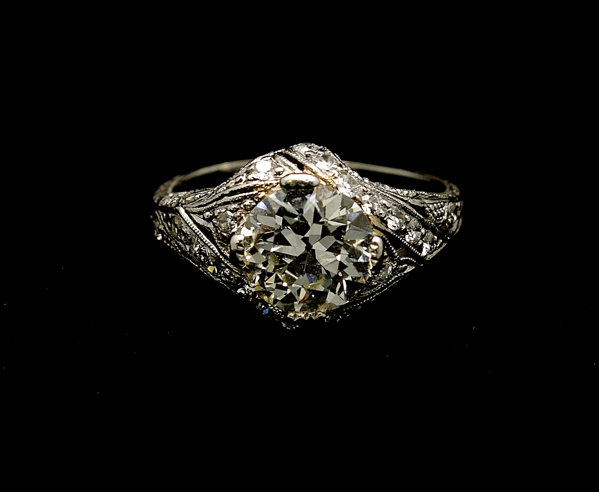 Antique Platinum Diamond Old European cut Ring 2.01cts