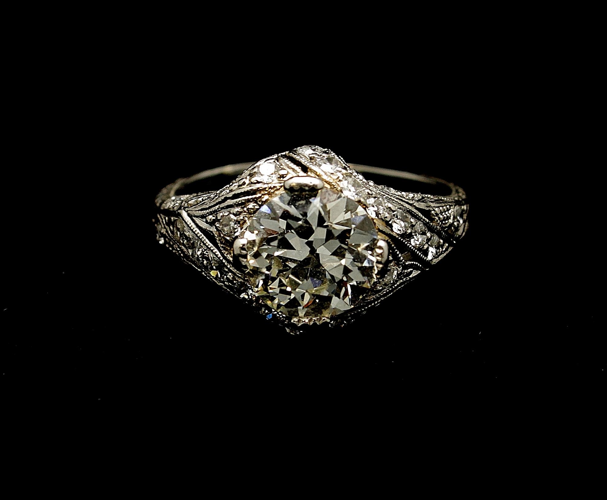 Antique Platinum Diamond Old European cut Ring 2.01cts