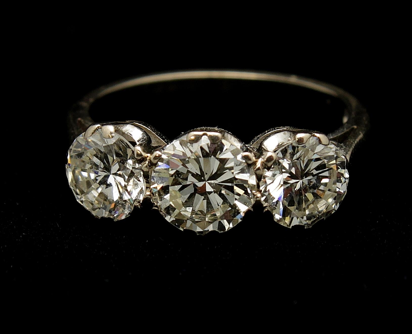 Antique Platinum Diamond Old European Cut 2.70cts Ring