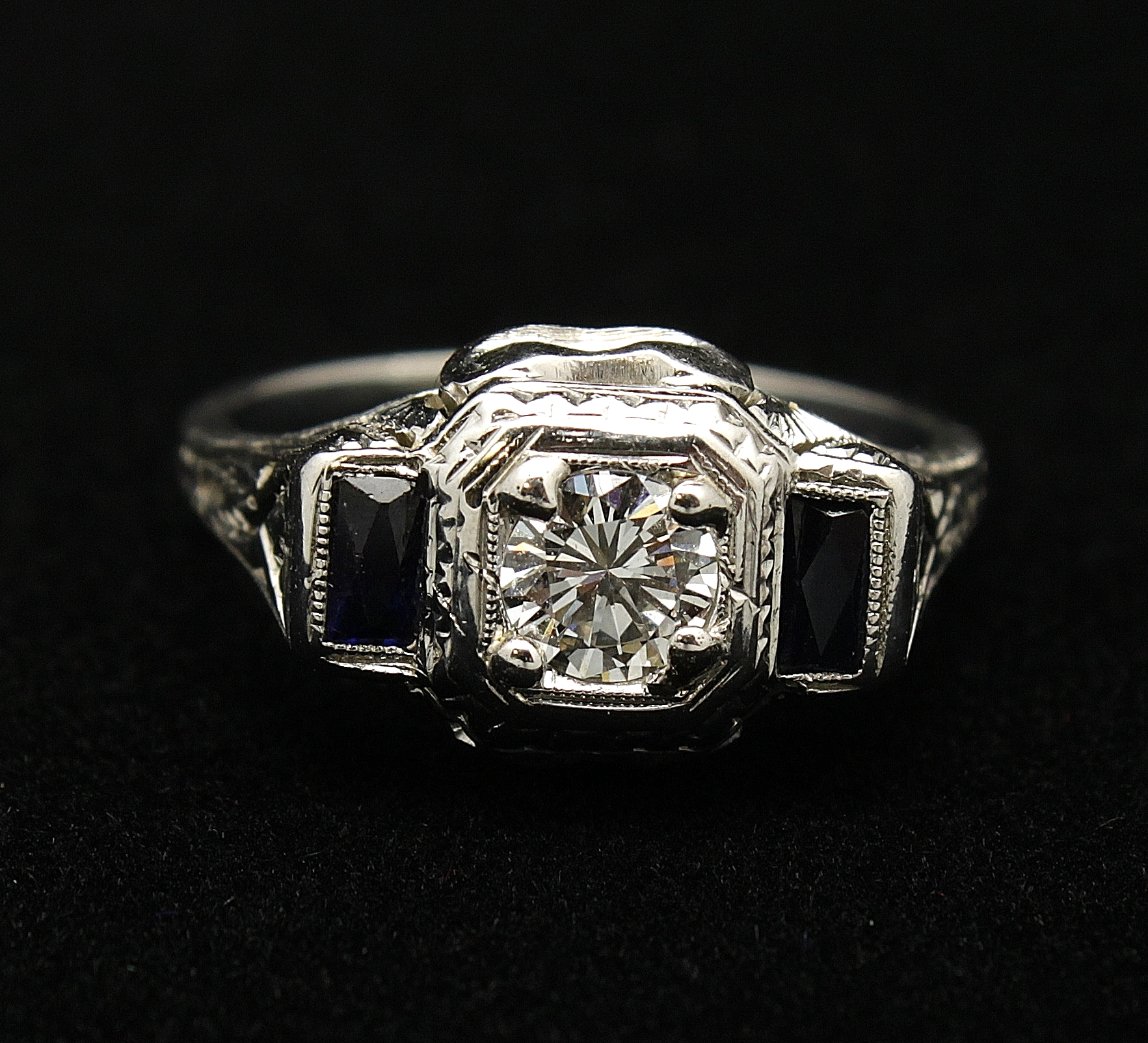 Antique 18kt Diamond .40cts Sapphire 40cts Ring