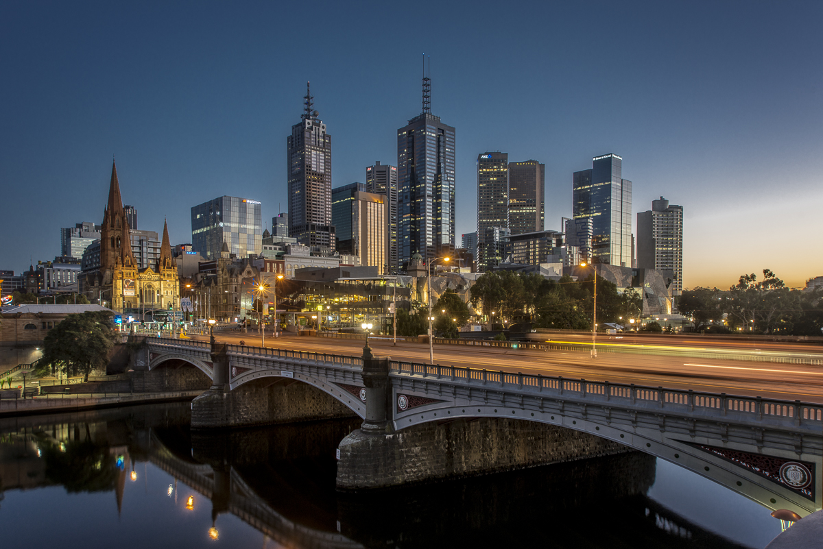 Princes Bridge Melbourne.jpg