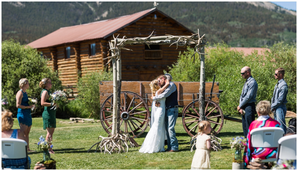 Outdoor Crested Butte Colorado Wedding_0014.jpg