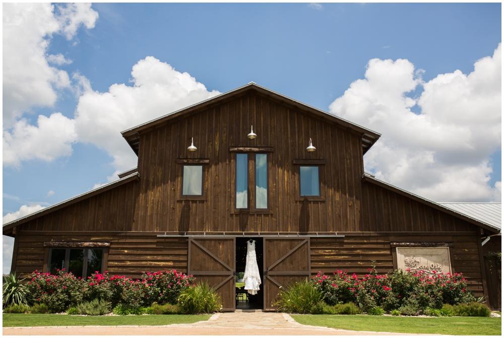 Lone Oak Barn Wedding_0001.jpg