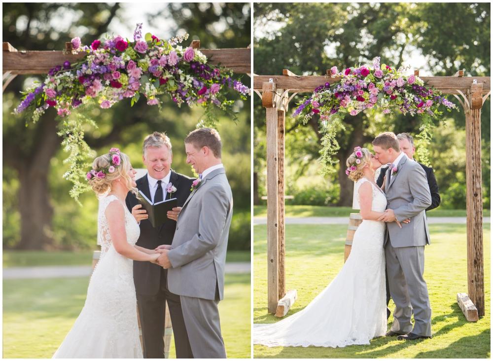 Lone Oak Barn Wedding_0010.jpg