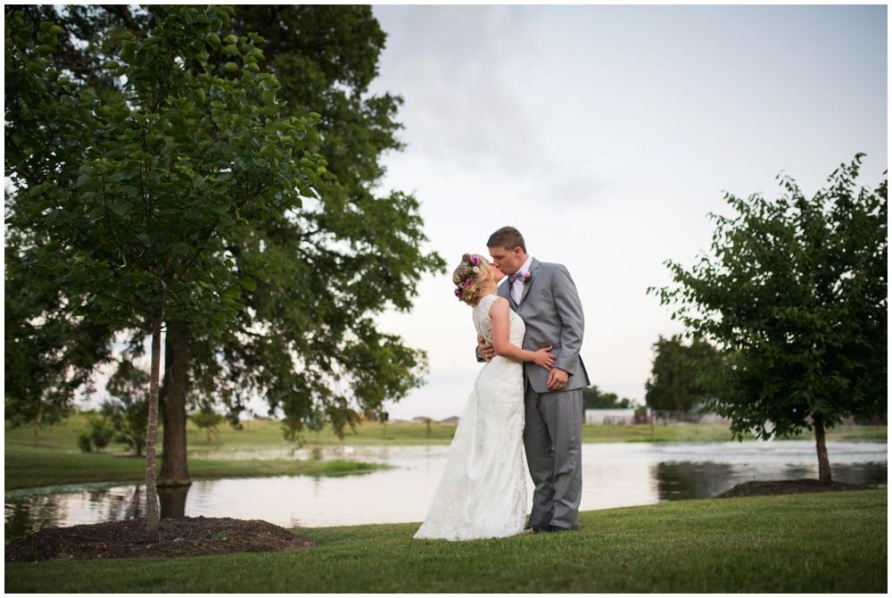 Lone Oak Barn Wedding_0020.jpg
