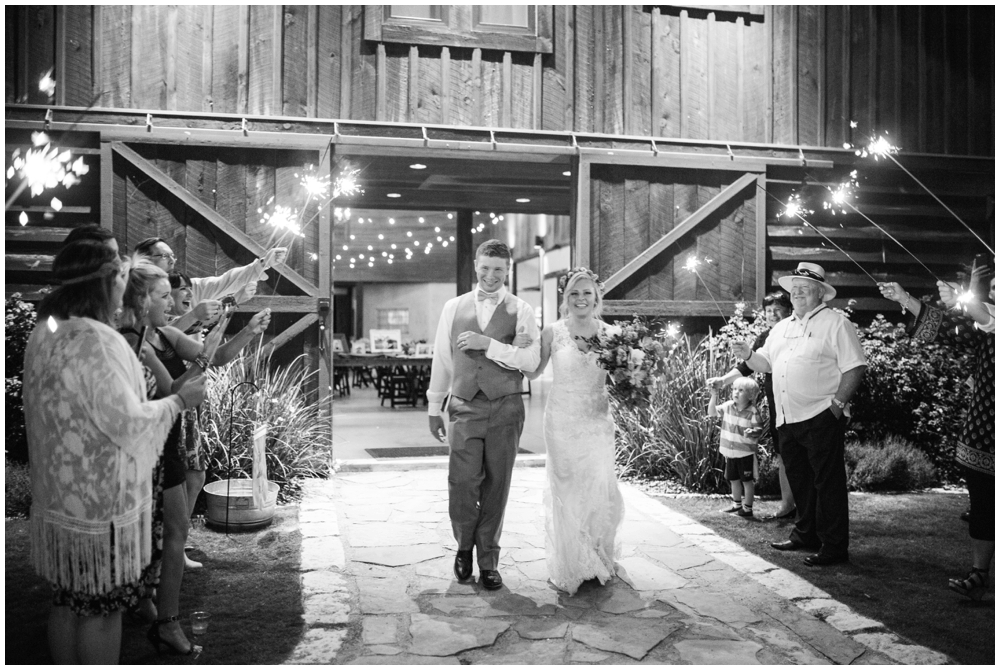 Lone Oak Barn Wedding_0023.jpg