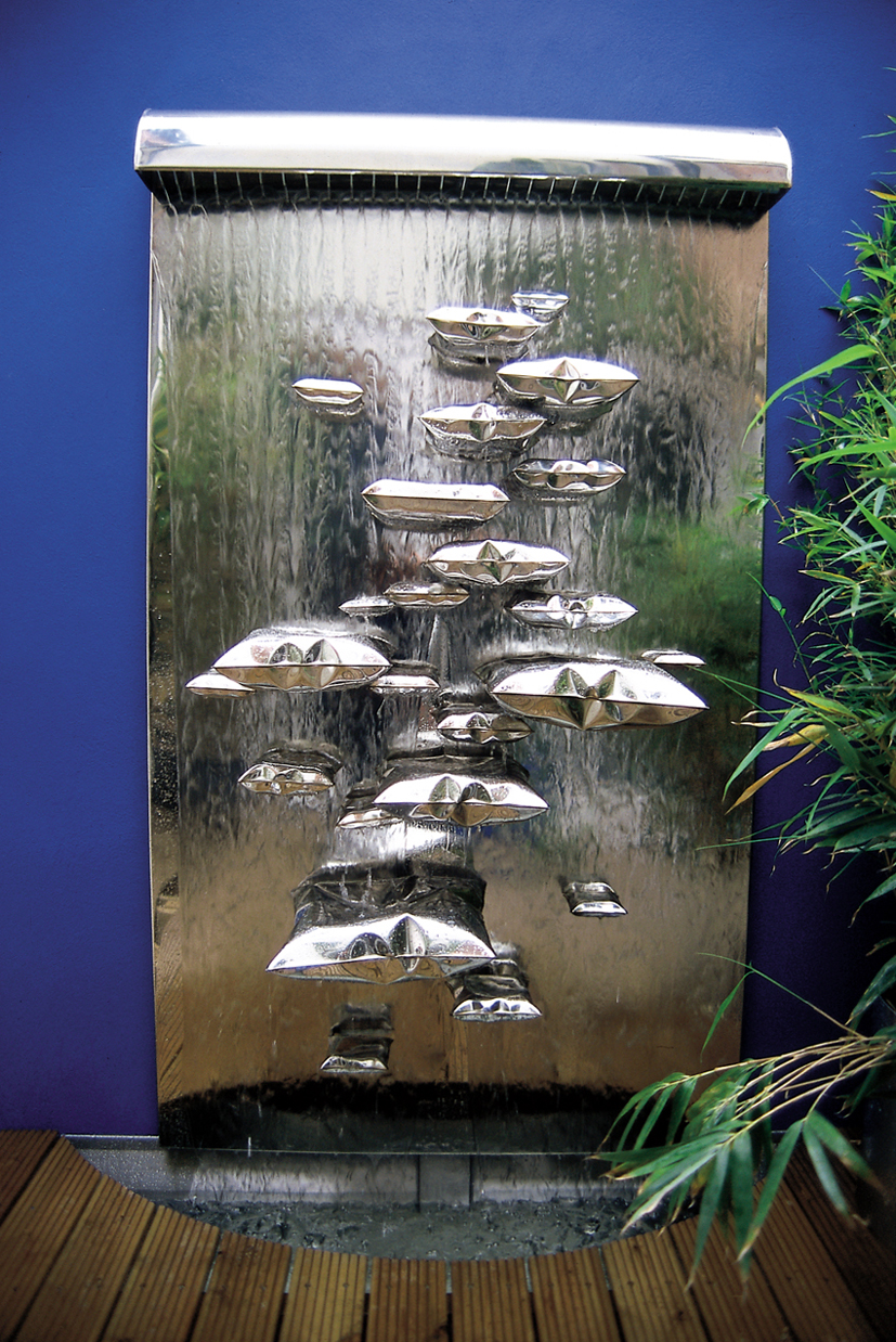 Water Wall 2m x 1m in mirror polished stainless steel with blown metal 'floating' pillows