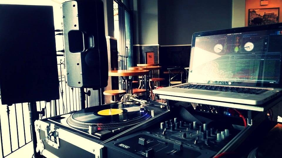 mixmaster is the #1 choice for the discerning event, wedding or private function - the only choice for those that love music!