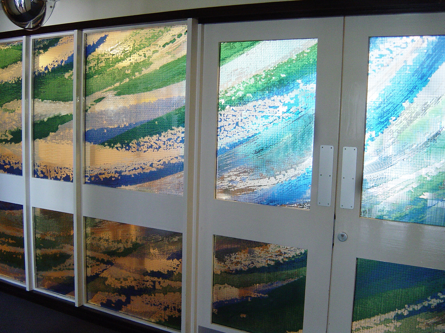 Glass wall, Oxleas and Bromley MH NHS Trust.