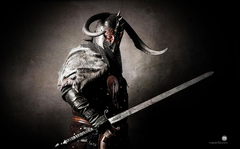 Portrait of man dressed as viking  © Photononstop / Masterfile