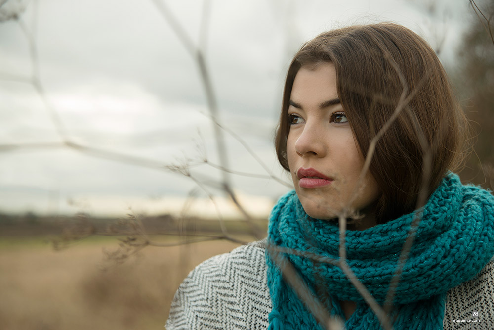 Portrait of Young Woman Outdoors, Baden-Wurttemberg, Germany © Uwe Umstätter / Masterfile