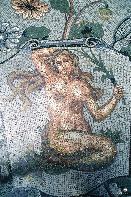 Italy, Campania, Pompei, mermaid © Masterfile
