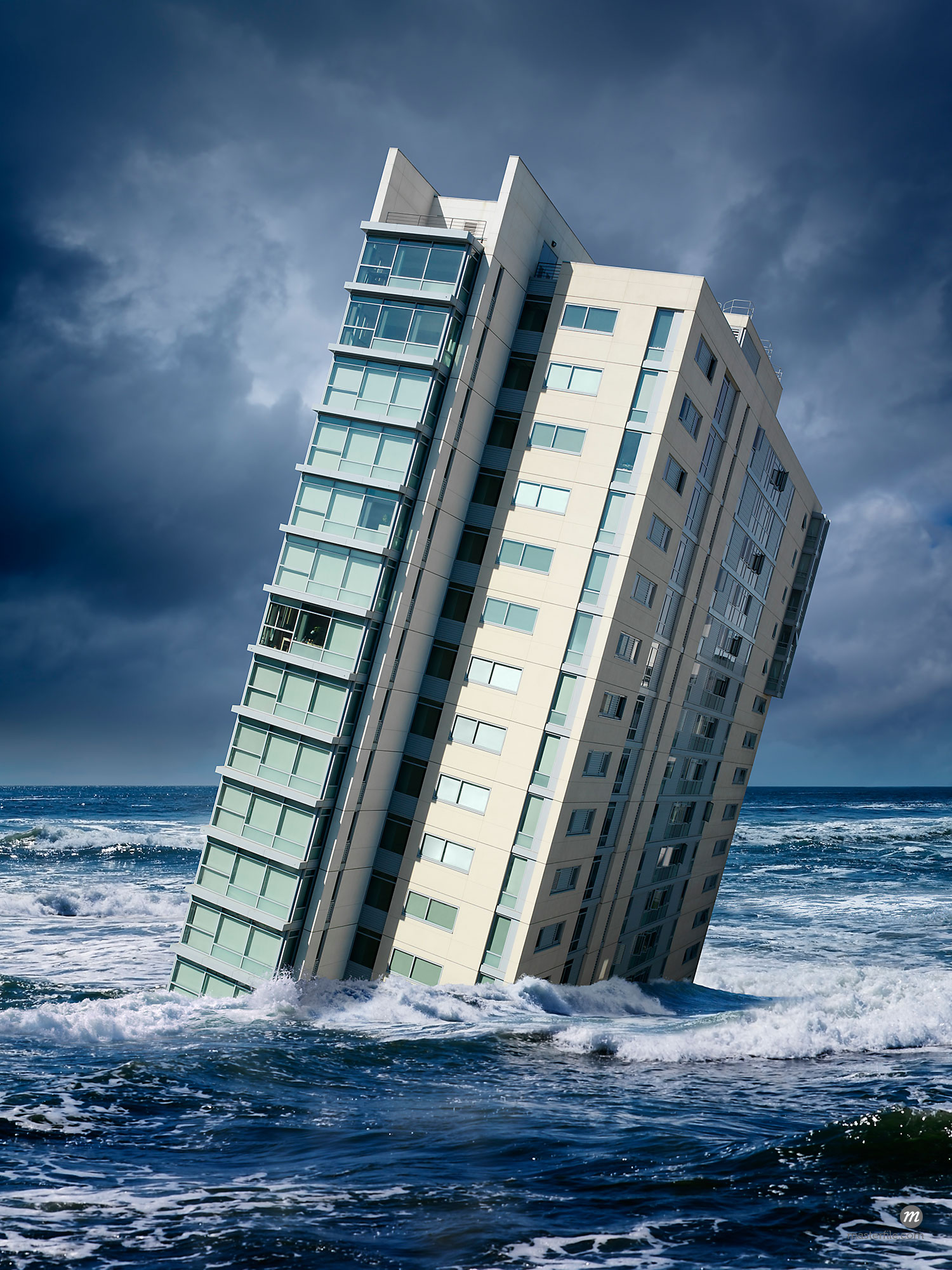Highrise floating in ocean  © Marc Simon / Masterfile