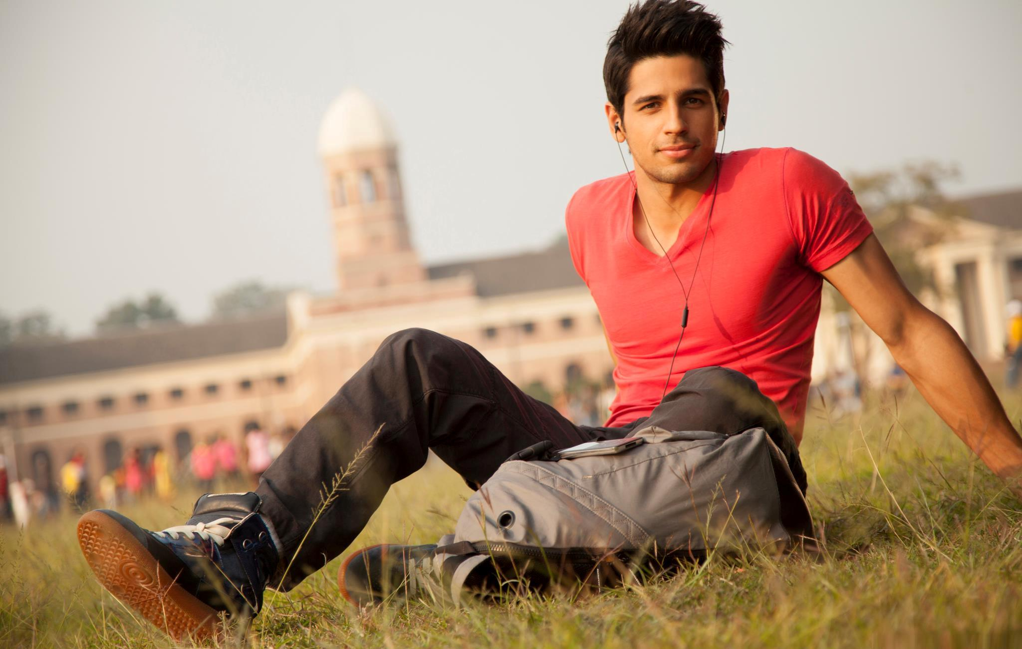 Sidharth Malhotra finds it daunting to maintain his six pack
