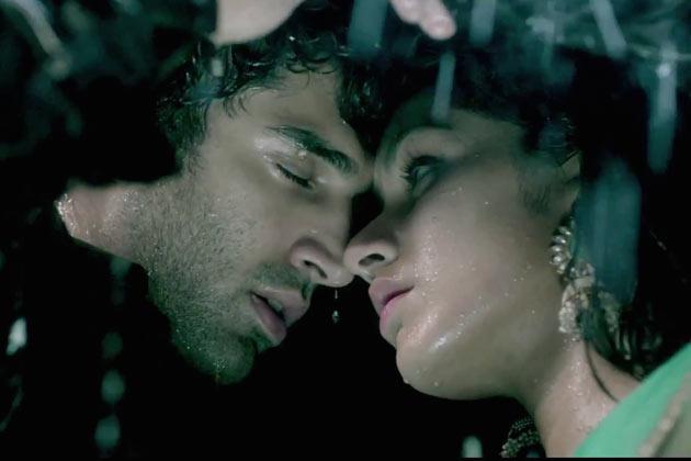 Aditya Roy Kapur and Shraddha Kapoor in  Aashiqui 2