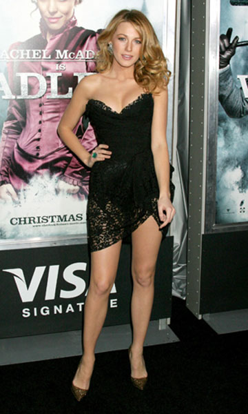 Blake Lively in D&G at the New York premiere of Sherlock Holmes, Dec 2009