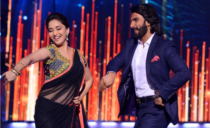 Ranveer Singh with Madhuri Dixit on the dance show  Jhalak Dikhla Jaa