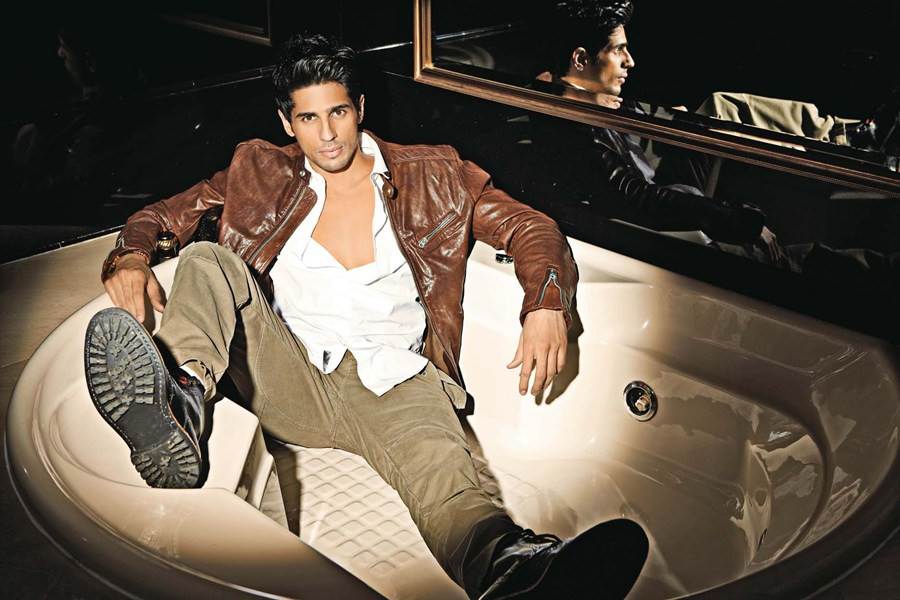 The actor turns bad for Mohit Suri's  The Villain