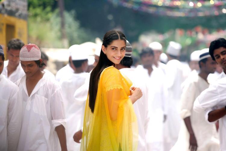 Sonam Kapoor in  Raanjhanaa
