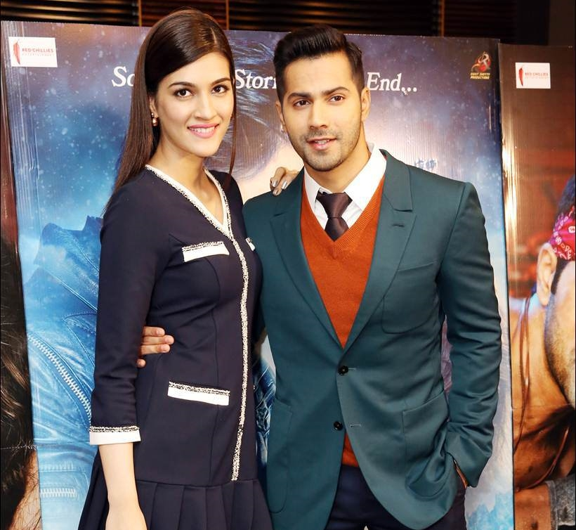 Varun & Kriti were as charming as ever!
