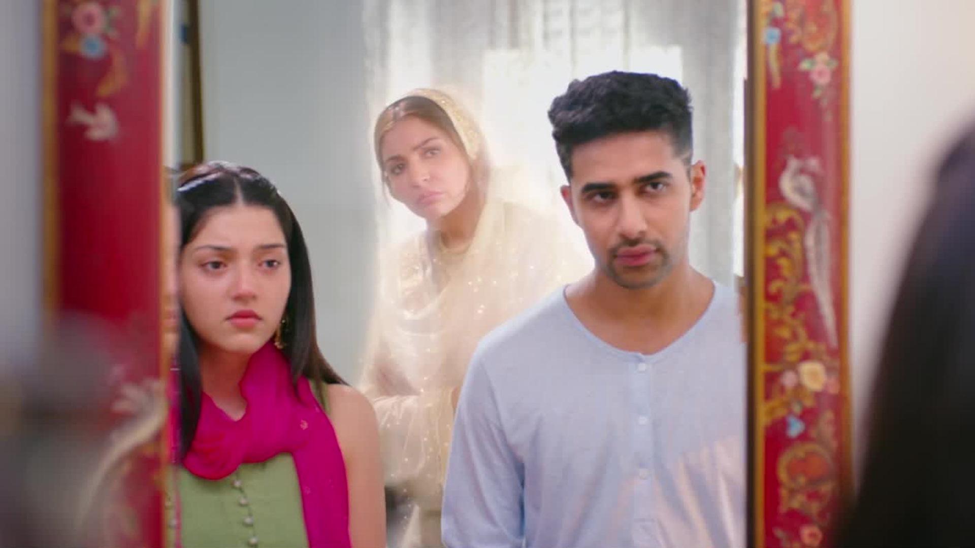 Suraj seems a little uncomfortable in a 'filmi' set up