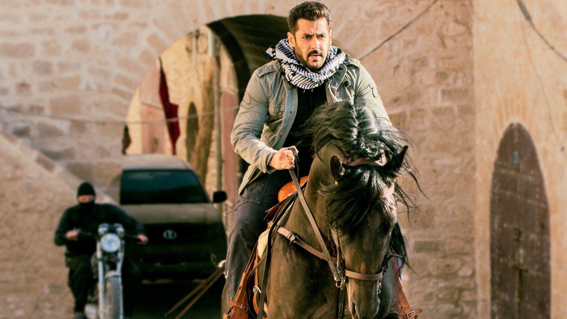 Expectedly, Salman Khan's  Tiger Zinda Hai  is smashing records all over the place