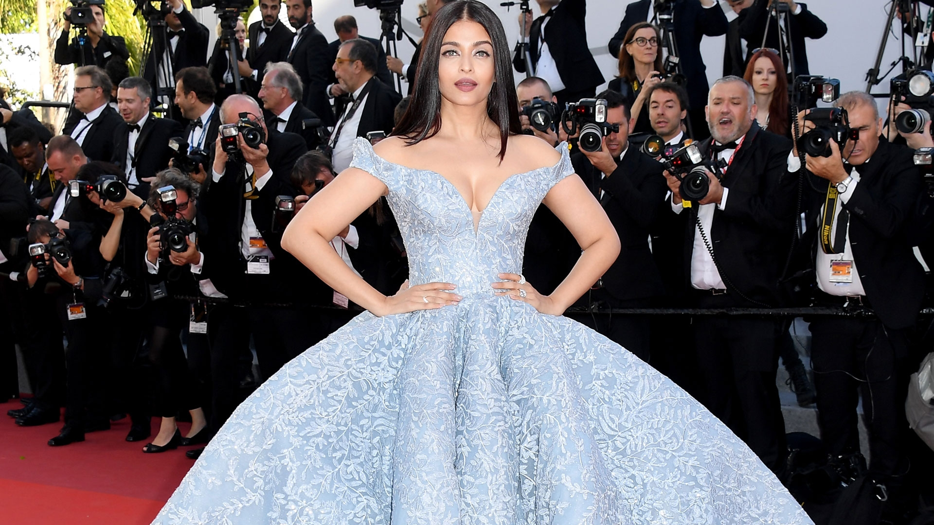 Ash looked resplendent on the red carpet at Cannes 2017