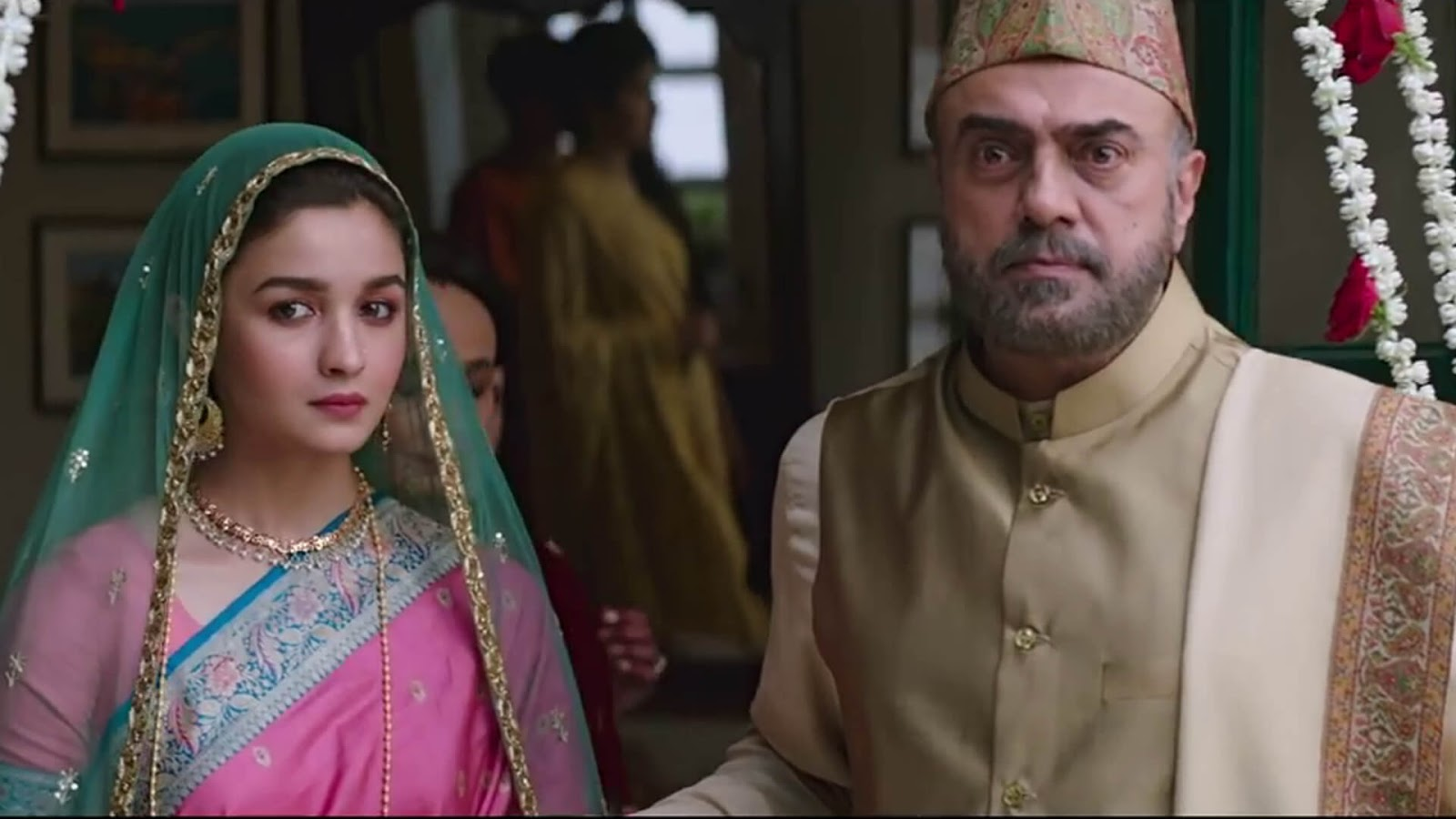 The film rests on Alia's shoulders and she does a spectacular job as expected