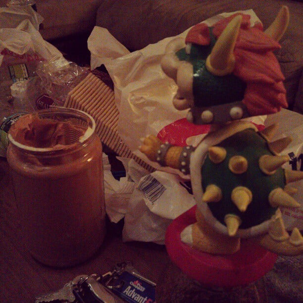 Bowser is trying to steal @itlivesitbreathes peanut butter #bowsertuesdays #hungrymotherfucker #peanutbutteraddict