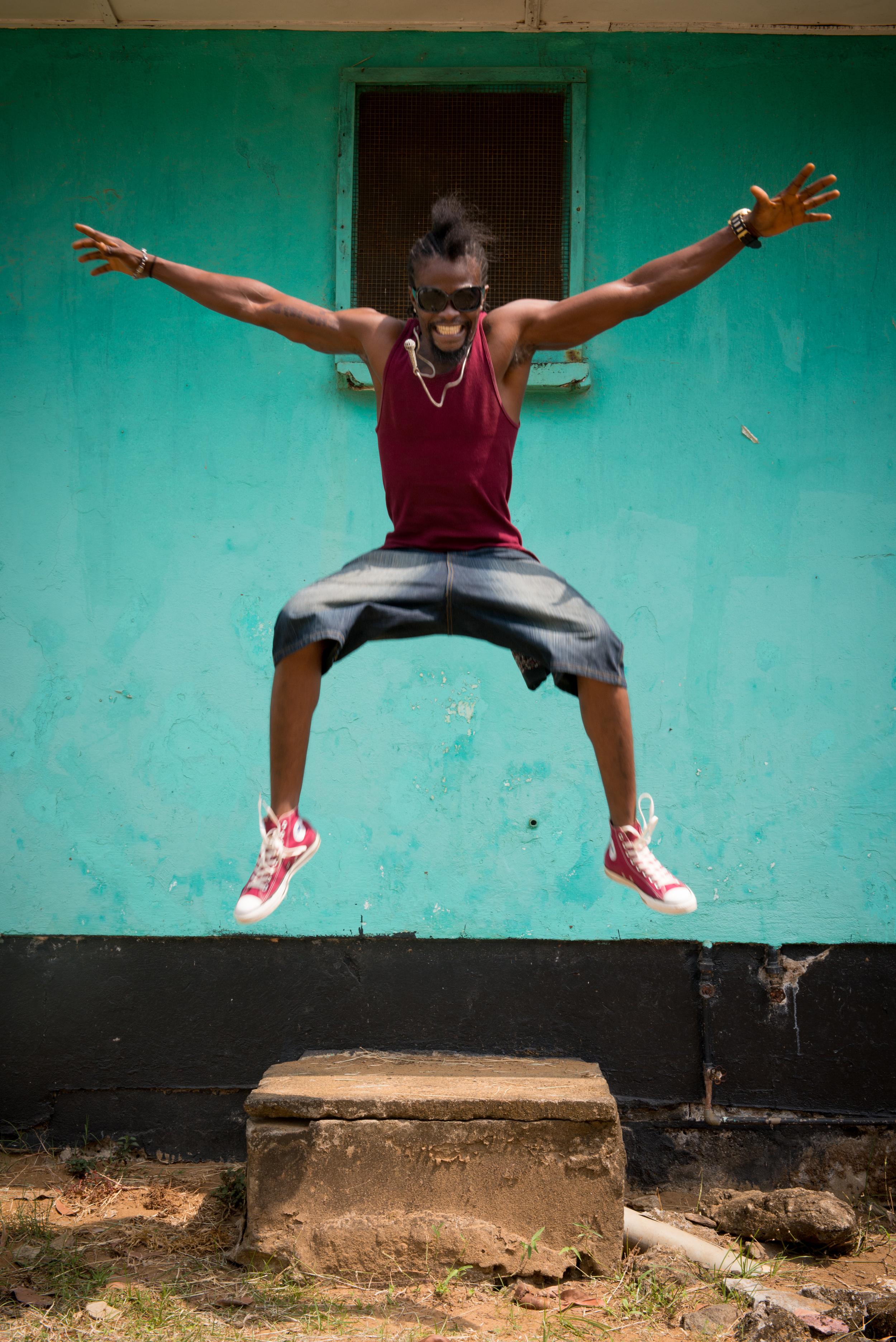 takun-j-hip-co-king-jump-by-ken-harper.jpg