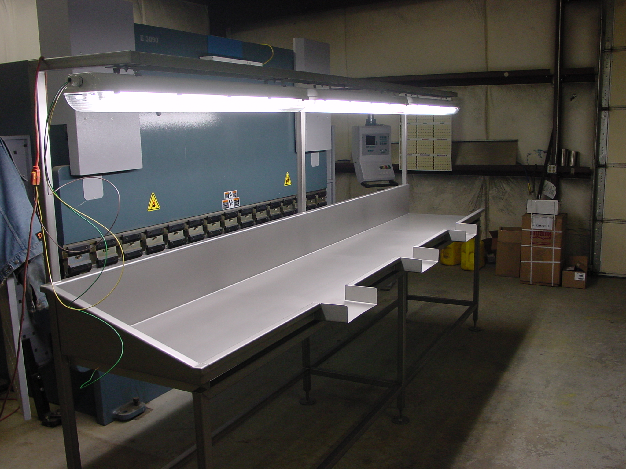 Deen Deboning Table002.jpg