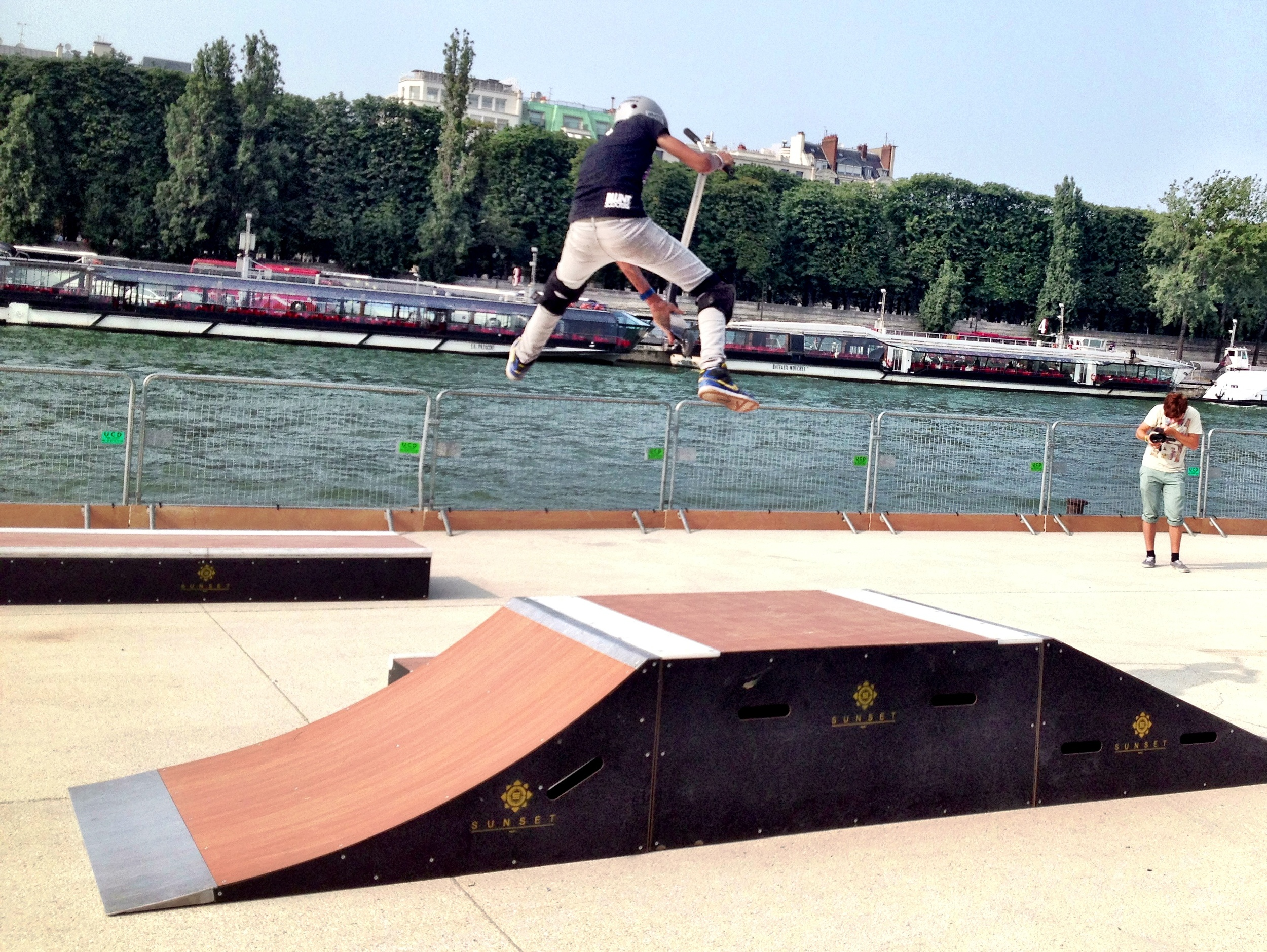 From 19 June - 15 September, Les Berges will feature its own skateboard ramp & roller sports park, welcoming skateboards, BMX, roller blades and kick scooters.