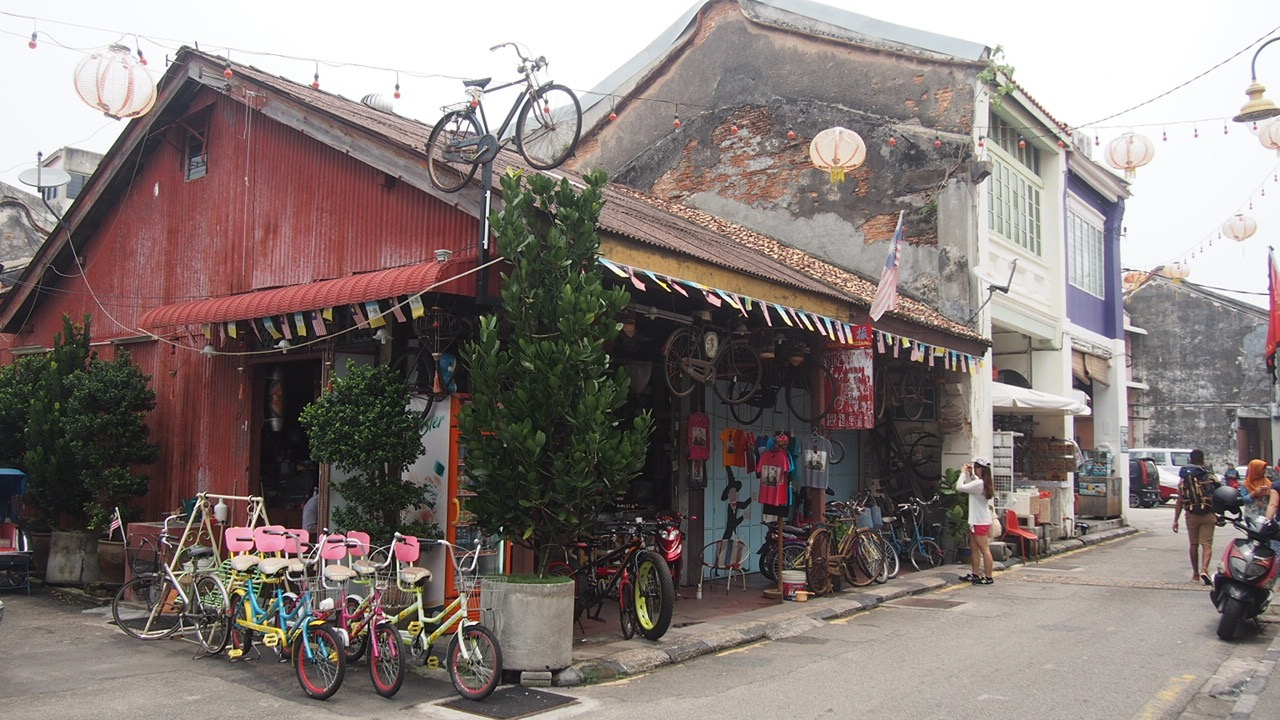 Lebuh Armenian located in the Heritage area of Georgetown is filled with old shophouses selling old and new treasures.