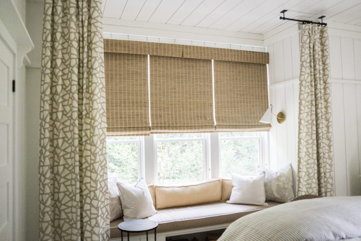 blinds-drapery-beach-cottage-bedroom-1.jpg