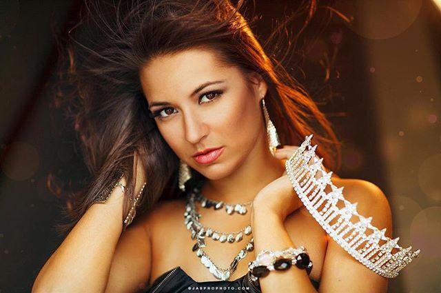 Oldie but a goodie of @kristenbcg 2013 #titlereign as #misslouisianausa #pageant #pageantheadshot #theheadshotguy #iamheadshots #beauty #pageantphotographer #atlantaphotographer #joshstringer #jasprophoto